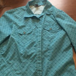 Women's blouse with pockets